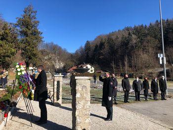 Položili vence pri spominskem obeležju 100 frankolovskih žrtev
