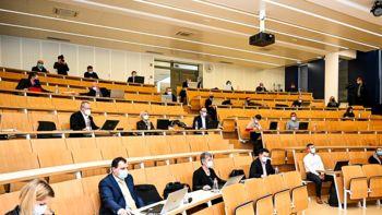 Svetniki v prvi obravnavni potrdili spremembe OPPN za Novi trg, seja je vnovič potekala v živo