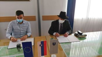 Podpisana pogodba za izgradnjo komunalne infrastrukture v naselju KS Sava