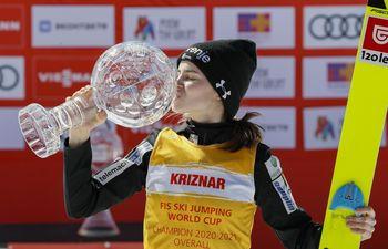 Nika Križnar, članica SSK Žiri, je osvojila veliki kristalni globus!