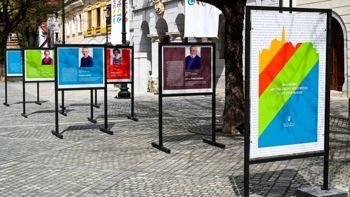 Občinski praznik obeležujemo z razstavo občinskih nagrajencev na Glavnem trgu