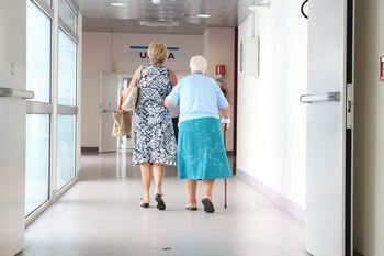 Povprečna starost covid bolnikov v Splošni bolnišnici Novo mesto je 68 let