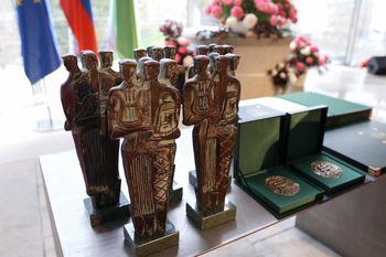 Utemeljitev pobud za častno meščanko in častnega meščana Ljubljane