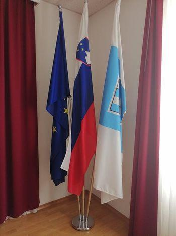 O grbu in zastavi Občine Preddvor
