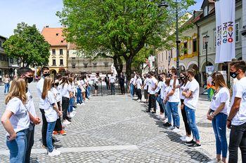 Novomeški maturantje zaplesali na edini četvorki v Sloveniji