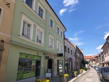 Za obnovo uličnih fasad in sakralne dediščine namenjenih 150.000 €