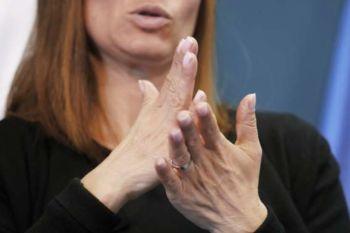 Slovenska ustava kot prva na svetu vključuje znakovni jezik