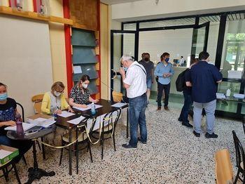 Uslužbenci SOU Maribor pomagajo občanom pri oddaji vlog za sms-PASS