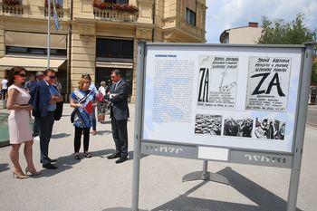 Predsednik RS Borut Pahor v Celju odprl razstavo Tri zvezde treh desetletij – Celje 1991