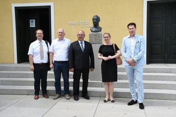 Ministrica za Slovence v zamejstvu in po svetu dr. Helena Jaklitsch je obiskala Zavrh