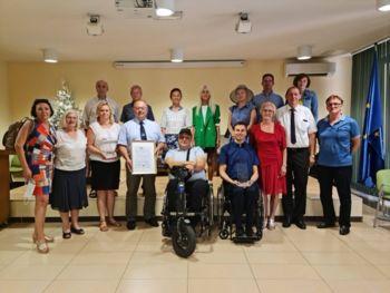 """Občina Lenart prejela naziv """"Občina po meri invalidov"""""""