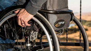 Društvo Svelipa svetuje: Kako pridobiti osebnega asistenta?