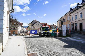 Od ponedeljka se dela nadaljujejo na Kastelčevi, izvoz iz Glavnega trga po Rozmanovi