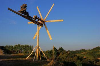 VABILO - 30 let delovanja Društva vinogradnikov in sadjarjev Haloze ter postavitev klopotca - sv. Ana Veliki Vrh