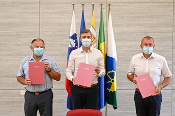 Podpis Sporazuma o sofinanciranju in skupni uporabi Medobčinskega zbirnega centra za ravnanje z odpadki