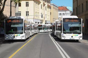 Kako do brezplačnih vozovnic za upokojence za mestne avtobuse