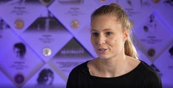 Video: Maja Mihalinec s Petro Majdič o jekleni volji