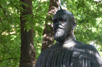Odkrili smo kip dr. Eda Šlajmerja