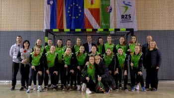 Državne prvakinje ŽRK Krka na treningu prejele čestitke župana