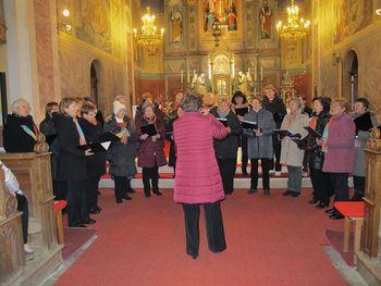 Božični čudež - božični koncert Ženskega pevskega zbora KD Bohinj in gostij Triglavskih rož'c