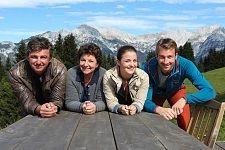 Tirolske vasice iz nanizanke  Gorski zdravnik vas vabi