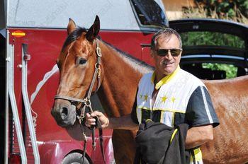 Milan Prašnikar lastnik, rejec, trener konj in voznik tekmovalnega sulkija