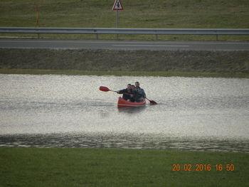 Vožnja s kanujem po narasli vodi