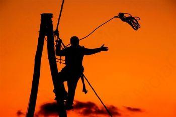 Škrilje - prekinjena dobava električne energije ter vode