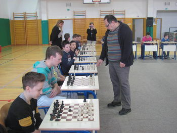Partija šaha z velemojstrom
