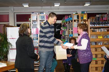 Goran Vojnović v Lavričevi knjižnici podelil priznanja Primorci beremo 2013