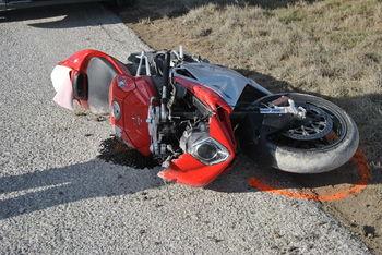 Motorist se je smrtno poškodoval