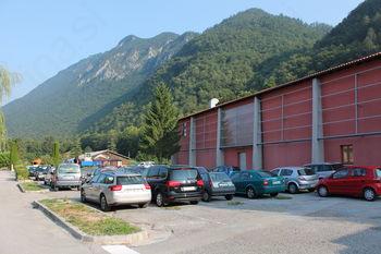 Urejanje parkirišča pri Kulturnem domu Kobarid