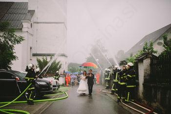 Z gasilskega tekmovanja na poroko