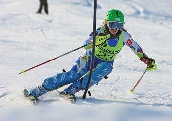 Ob izjemnih uspehih danes sprejem za alpsko smučarko Sašo Brezovnik
