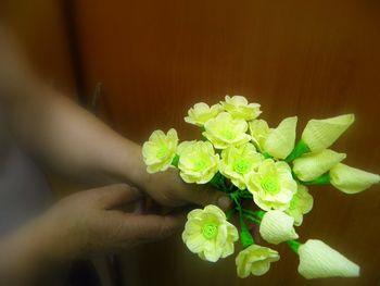 Umetnost izdelave cvetja iz krep papirja