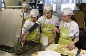 Župan se je odzval povabilu mladih kuharjev OŠ Kobarid