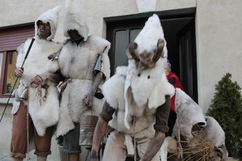 Tudi letos oživljamo starosvetne maske in organiziramo pustni sprevod v Kobaridu