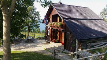 Poletno sezono odpirajo tudi planinske koče v dolini Soče