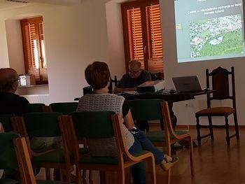 Predstavitev izgradnje centra za mikrodaljinsko ogrevanje na lesno biomaso Kobarid in javna razprava o predlaganem novem parkirnem režimu v Kobaridu