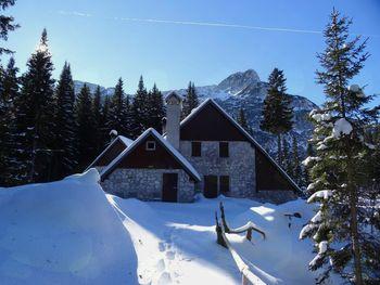 Planinski dom pri Krnskih jezerih se odpira v marcu