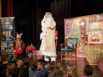 Otroška predstava in obisk dedka Mraza