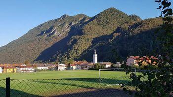 Občina Kobarid je objavila javno naročilo za obnovo atletske steze