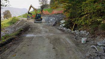 Obnova lokalne ceste in sanacija plazu