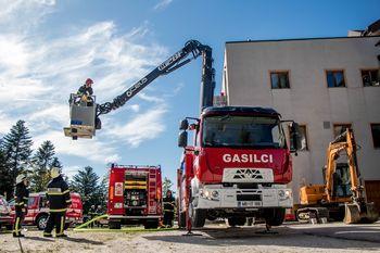 Podpisana pogodba za nakup novega gasilskega vozila GZ Kidričevo
