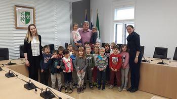 Otroci iz vrtca Kidričevo obiskali gospoda župana