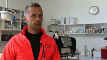 Odprtje defibrilatorja v Lozicah in tečaj uporabe