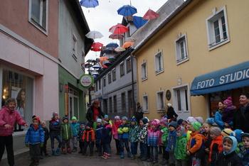 Slovenija prepeva Čebelarja