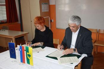 "Podpis pogodbe ""Menjava strešne kritine na objektu OŠ Zreče"""