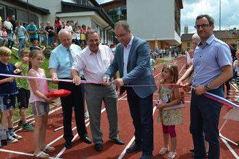 Slovesno odprtje prenovljenega igrišča pri OŠ Veliki Gaber  v sklopu šolske prireditve ob Dnevu državnosti