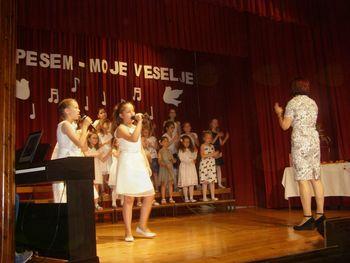 Koncert Otroškega pevskega zbora Podružnične šole Dobrnič